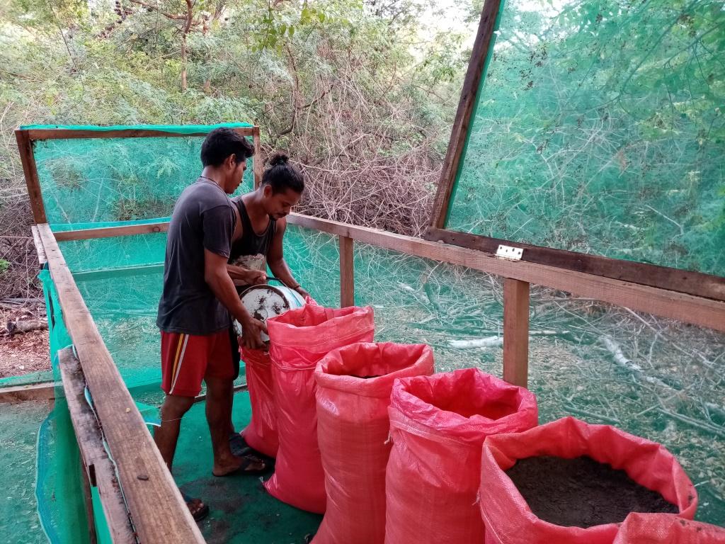 preparing the sand bags